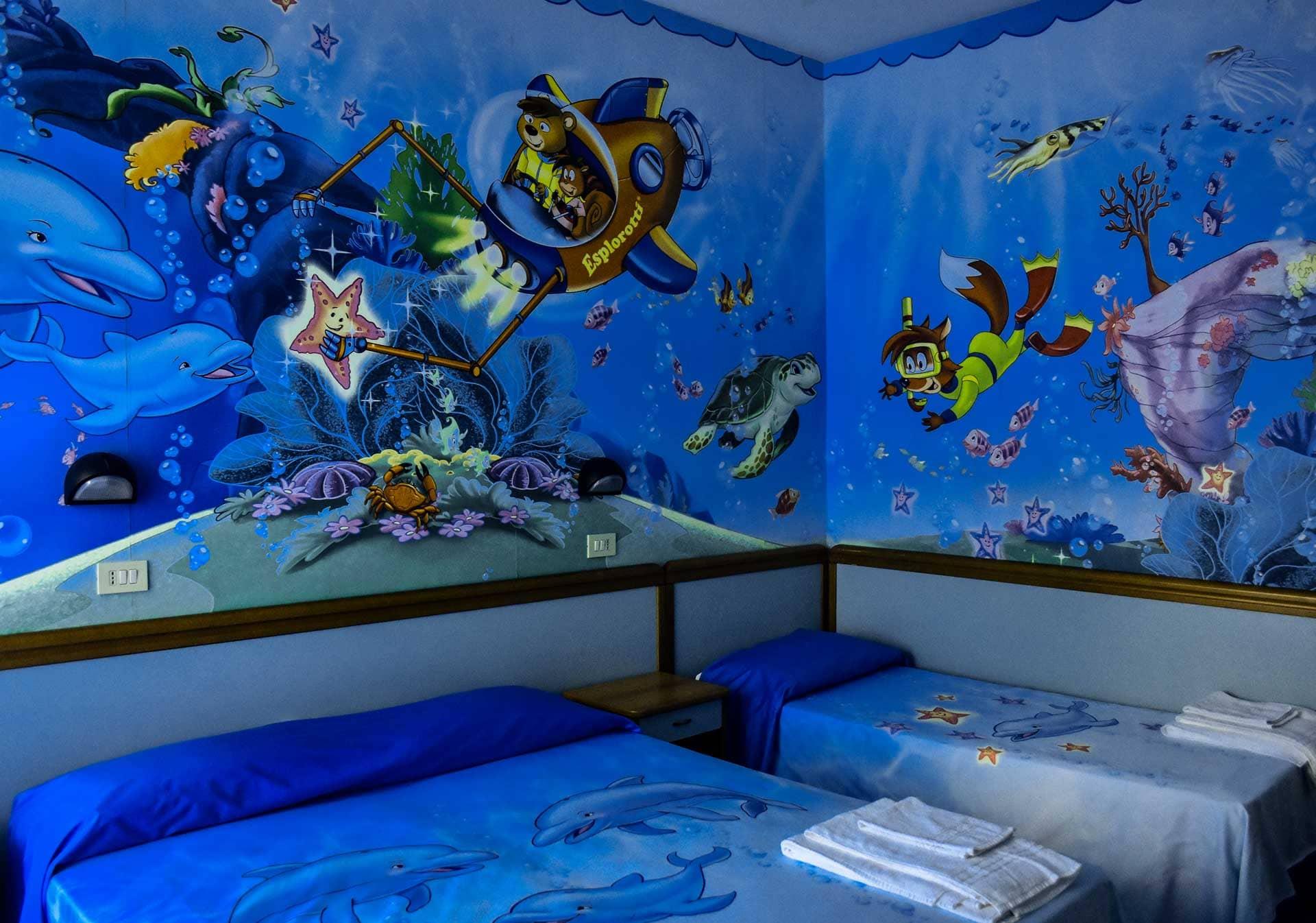 hotel bahamas lido di savio vicino a mirabilandia camera bimbo